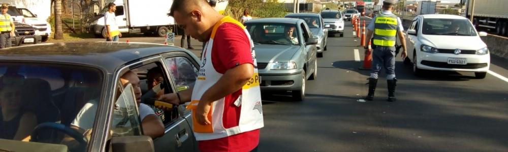 Programa Direção Segura autua 26 motoristas em Marília