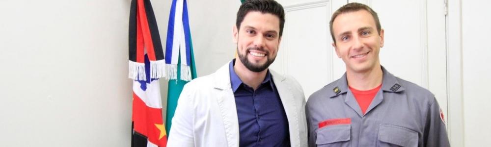 NOVO COMANDANTE DOS BOMBEIROS É RECEPCIONADO PELO PREFEITO
