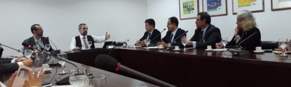REPRESENTANTE DO SINCOPOL FAZ REUNIÕES EM BRASÍLIA PARA DEFENDER POLICIAIS CIVIS NA REFORMA DA PREVIDÊNCIA
