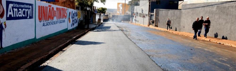 Prefeitura realiza 1ª etapa de recapeamento da Rua Cardoso Ribeiro