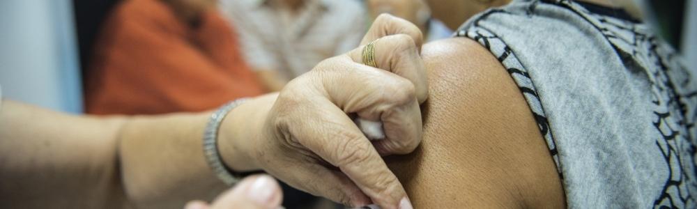Saúde começa vacinar grupos prioritários contra vírus da gripe