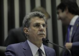 MINISTRO CAI APÓS DEFENDER PACTO CONTRA A LAVA JATO